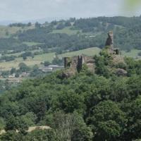Dsc 0125 chateau de coppel puy de dome vu de la chapelle notre dame de la roche 05 07 2013 copie